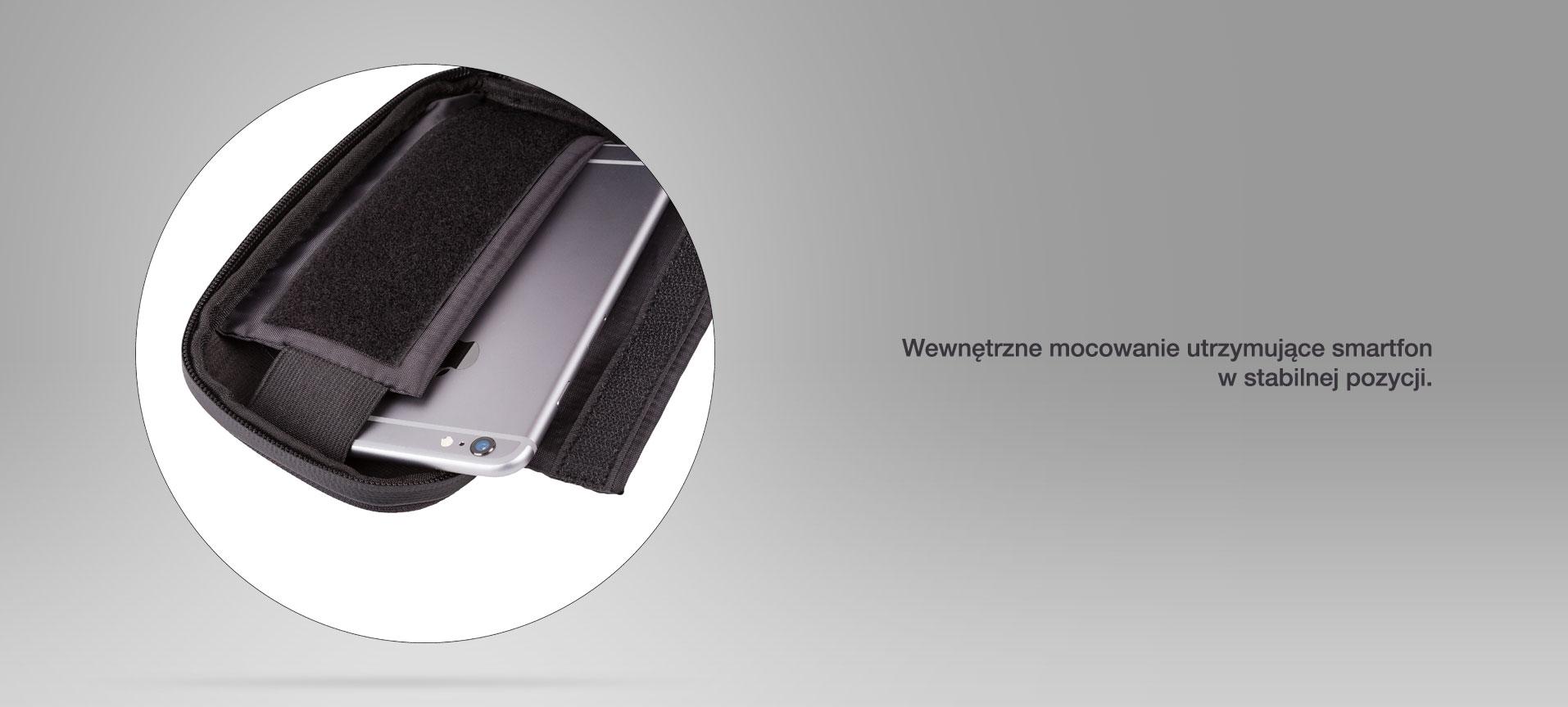 Wewnętrzne mocowanie utrzymujące smartfon w stabilnej pozycji.